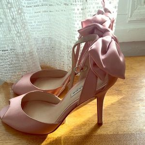 Nina New York pink bow heels size 9
